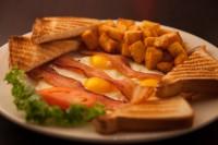 best breakfast bacon eggs benedict