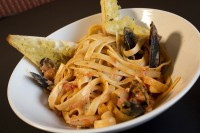 seafood pasta with mussels linguiine