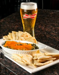 great restaurant appetizers pita, spinach dip & beer