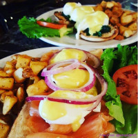 brunch benedicts