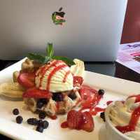 dessert ice cream banana strawberry working lunch brantford