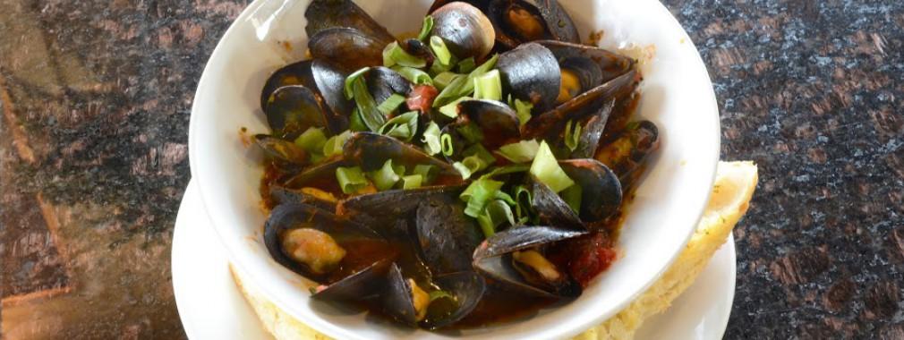mussels seafood steak chicken burger options cambridge restaurant ontario