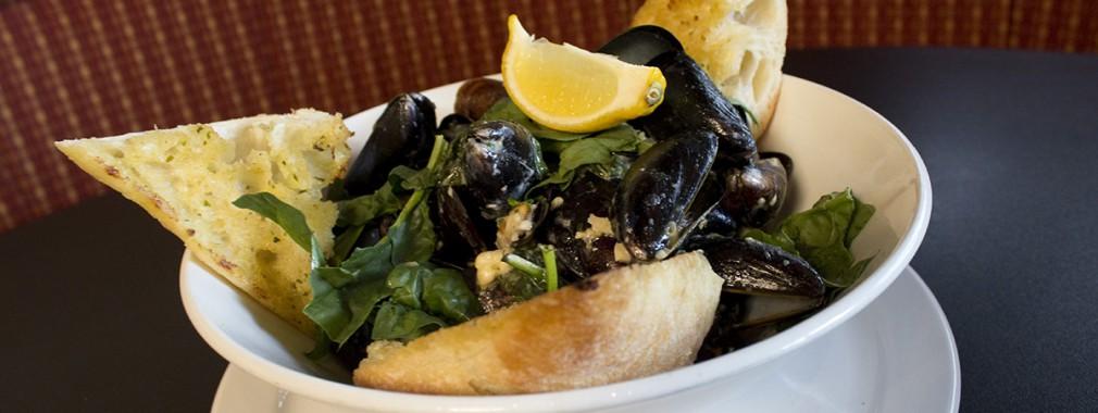 best appetizer menu specials mussels calamari chicken wings markham ontario restaurant
