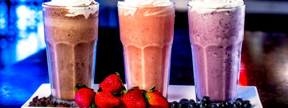 fresh fruit ice cream milkshakes whitchurch stouffville outdoor patio dining