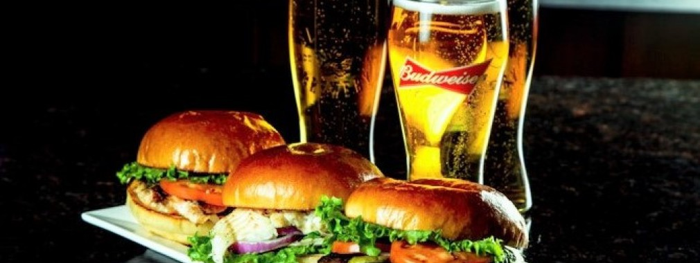 monday-restaurant-special---beers-&-burgers-&-sandwiches